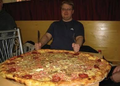 【悲報】アメリカ人「ピザ食べたいけどハンバーガーも食べたいなぁ…せや!」