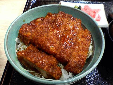 ソースかつ丼アップ 頭をバックアップ : 千葉の旅(5)駒ケ根ソースかつ丼 頭をバックアップ き