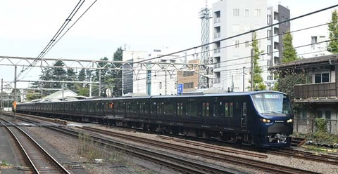 F8A_1247