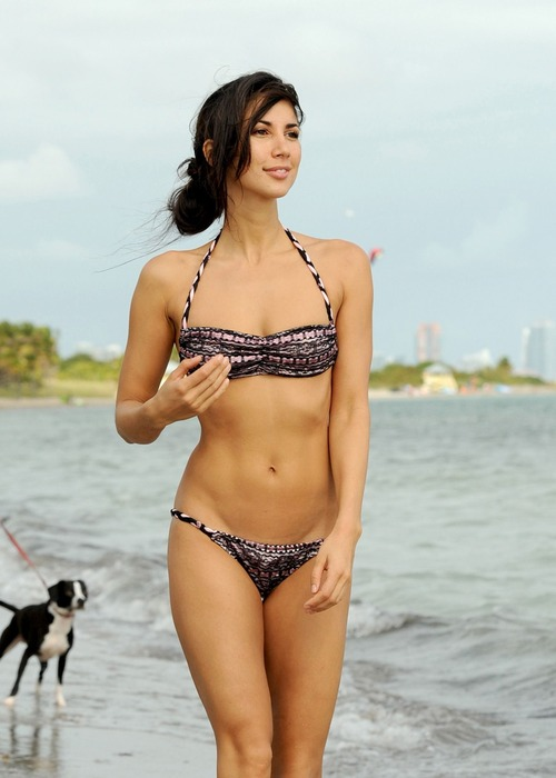 Leilani Dowding - Miami Beach 27 January 01
