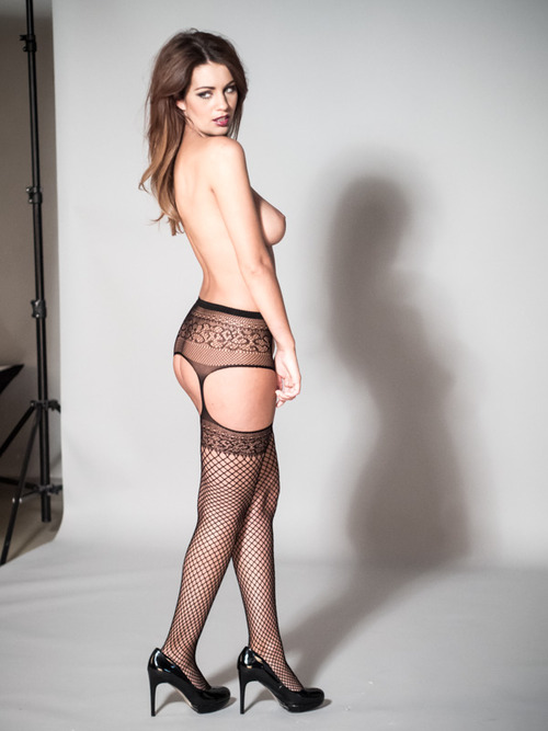 Holly Peers making (23)