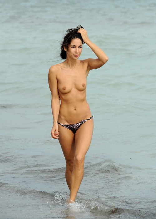 Leilani Dowding - Miami Beach 27 January 11