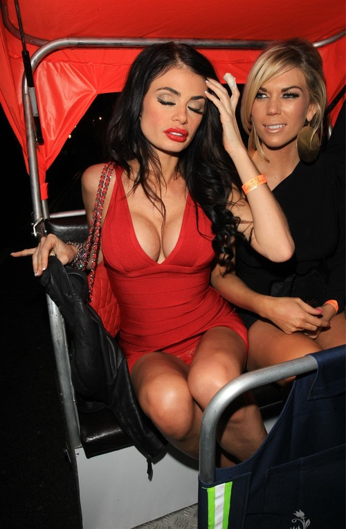 Chloe Sims - Upskirt in a Rickshaw in London (4)