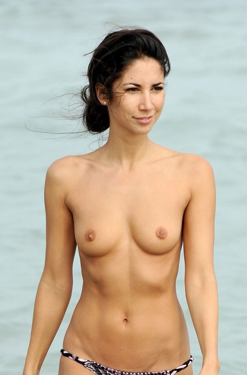Leilani Dowding - Miami Beach 27 January 10