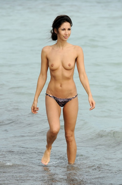Leilani Dowding - Miami Beach 27 January 09