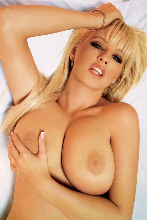 Michelle Marsh - Topless Maxim Jan 2006