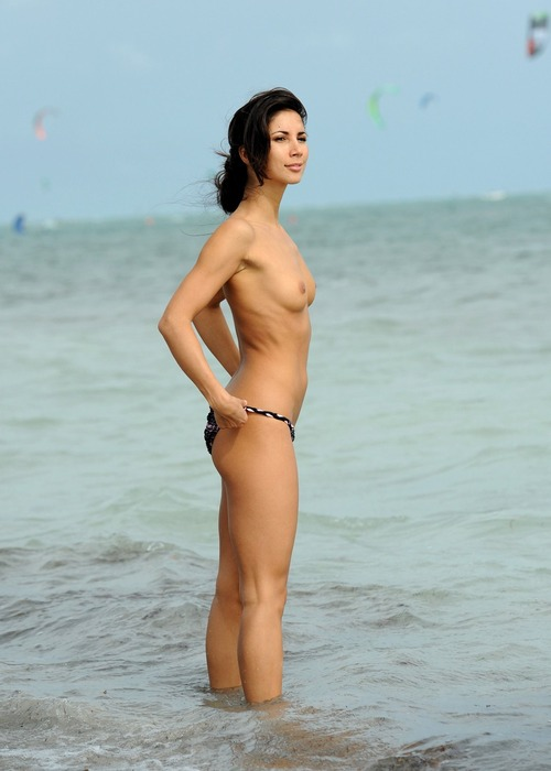 Leilani Dowding - Miami Beach 27 January 12