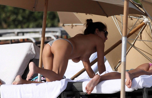 Silvina Luna Enjoying On Beach In Topless And Showing Sexy Ass Thong Perfectgirls 1