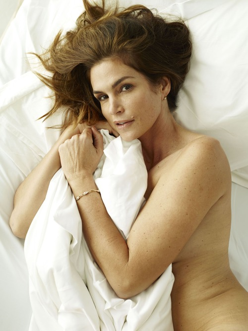 xnews2 Cindy Crawford w24