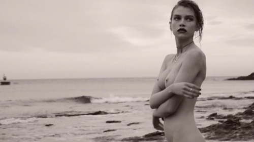 Stella_Maxwell_-_La_Playita_by_Mariano_Vivanco_HD_720p_4029