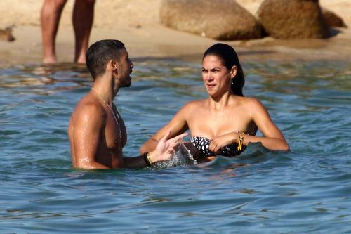 Melissa Satta bikini candids in Sardinia Italy (9)