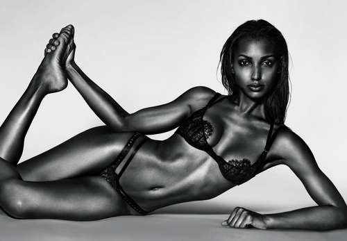 08_Jasmine-Tookes_10-Magazine-58-by-Richard-Burbridge-2