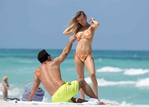 Joanna Krupa Bikini 005
