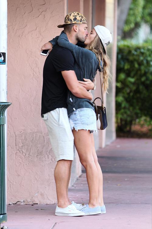 Nina Agdal & Boyfriend Reid Heidenry (28)