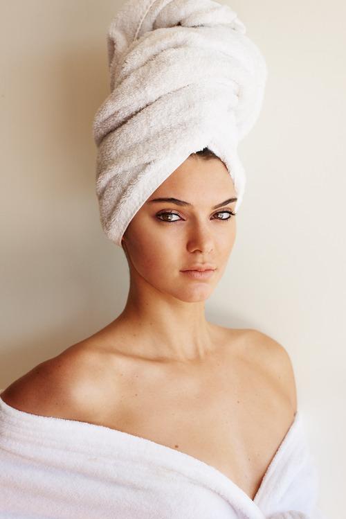 Kendall_Jenner-Mario_Testino_Towel_Series