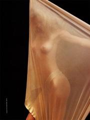 Eva Herzigova - Nude GQ 2002 v07