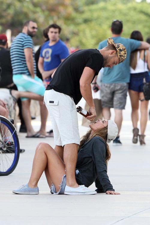 Nina Agdal & Boyfriend Reid Heidenry (21)