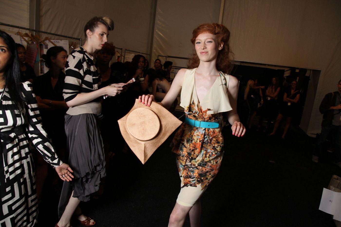 Ahmed Parvez - Diaspora-artists: View details Fashion show backstage oops
