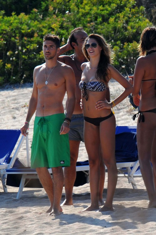 Melissa Satta bikini candids in Sardinia Italy (5)
