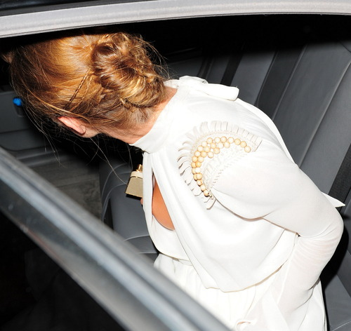 Rosie Huntington-Whiteley - Leaving Morton's Club (4)