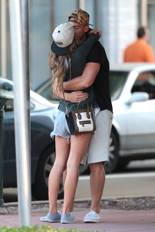 Nina Agdal & Boyfriend Reid Heidenry (48)