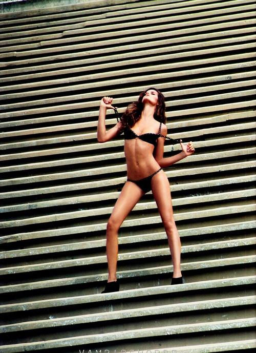 Izabel Goulart Muse Magazine Spring 2012 (5)