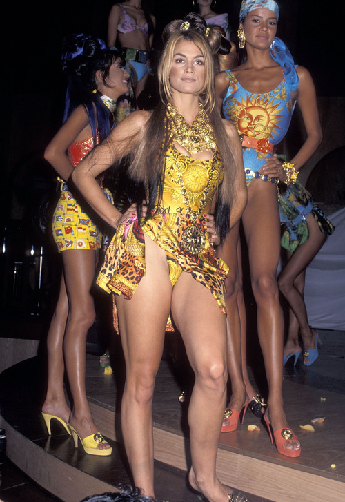 Cindy Crawford Versace Fashion Show (2)