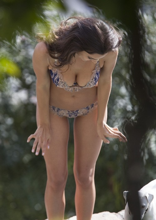 Irina Shayk - Photoshoot in Positano Italy - 04212014 (6)