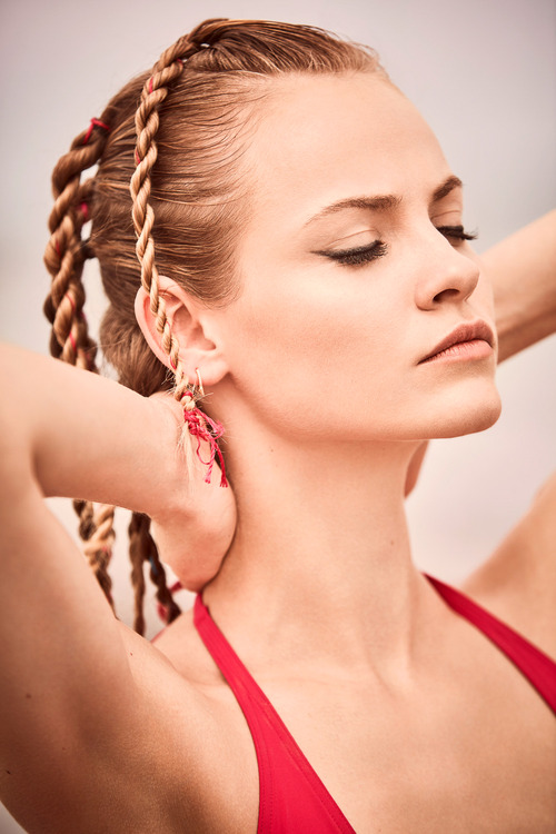Harpers-Bazaar-Spain-May-2016-Ginta-Lapina-by-Guy-Aroch-6