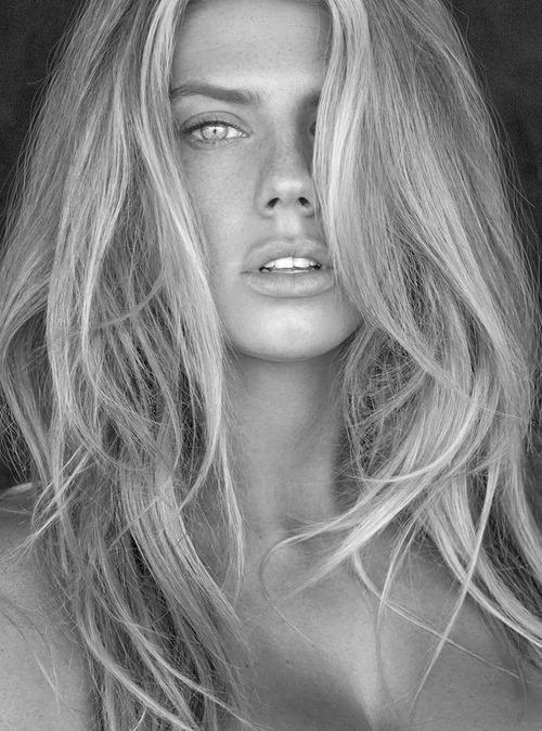 Charlotte McKinney Nude 2