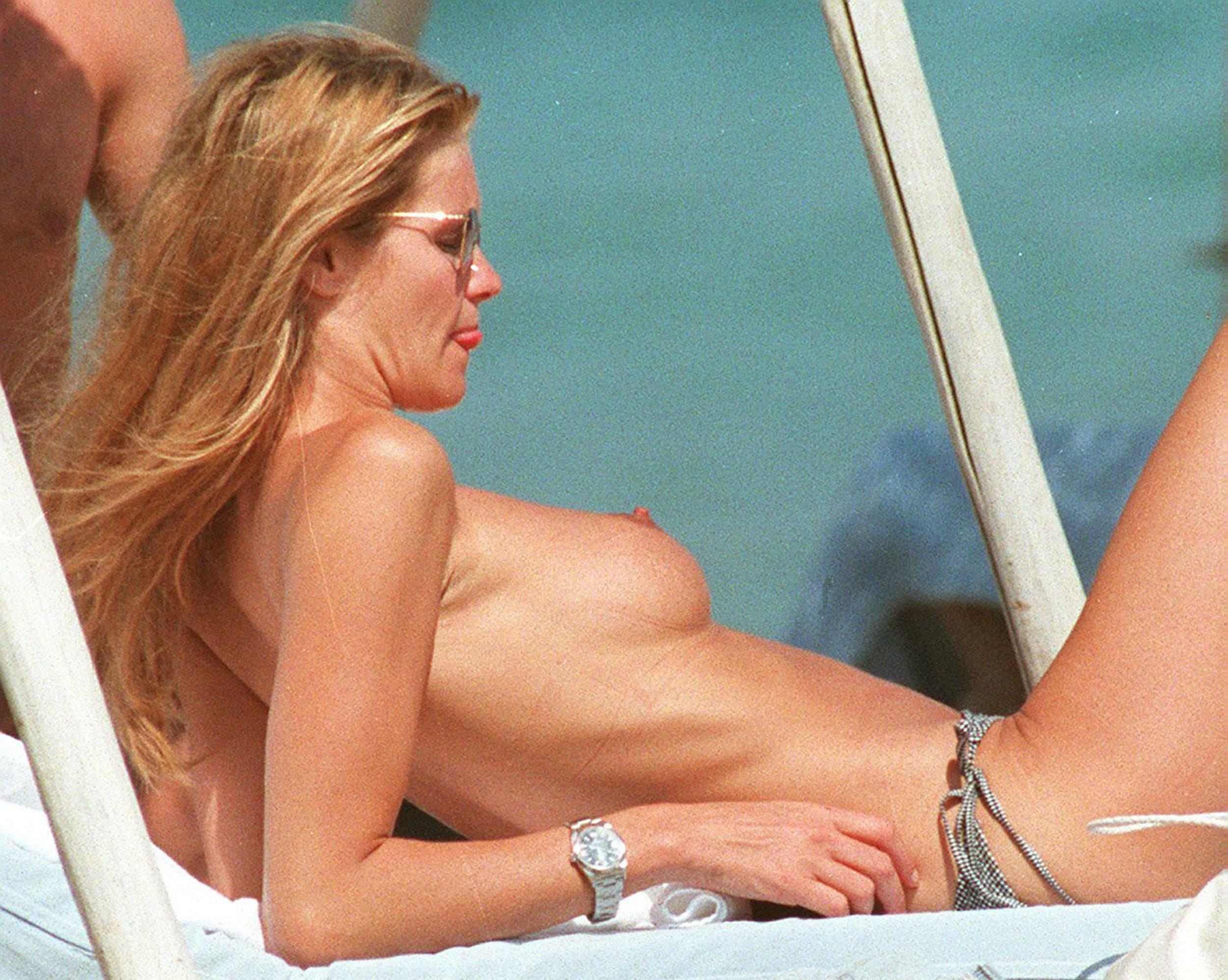 Обнаженная порно модель Эль Макферсон смотреть онлайн 3 фото
