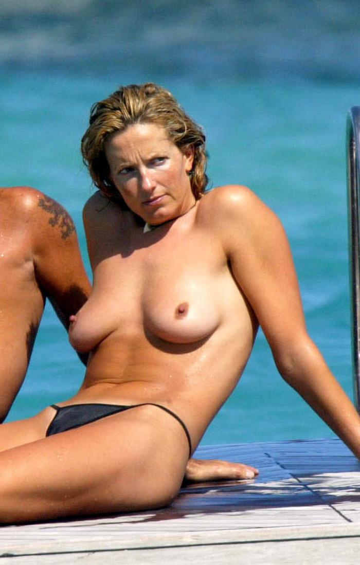 Nackt Penny Lancaster  Yahoo ist