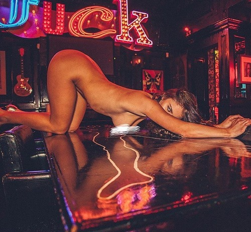 Scarlet-Bouvier-Nude-Sexy-4