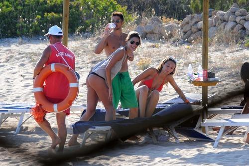 Melissa Satta bikini candids in Sardinia Italy (4)
