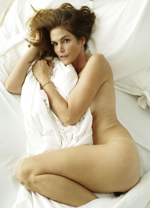 xnews2 Cindy Crawford w22