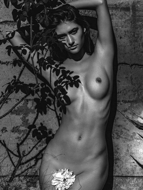 Elizabeth Elam by Kesler Tran 09