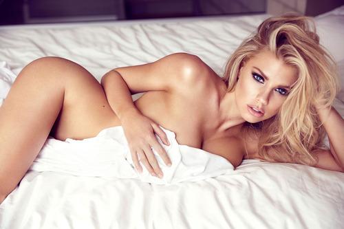 Charlotte McKinney - Photoshoot (4)