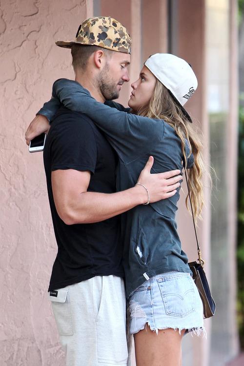 Nina Agdal & Boyfriend Reid Heidenry (37)