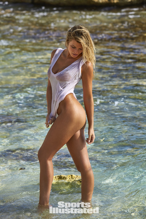 Samantha Hoopes SI2017 (4)