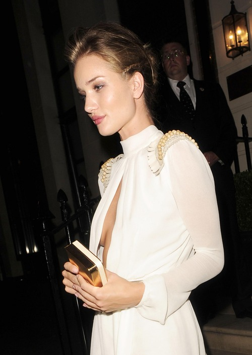 Rosie Huntington-Whiteley - Leaving Morton's Club (2)