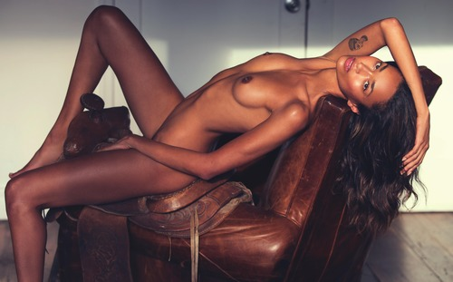 lui-december-january-2017-06-anais-mali-by-david-bellmere