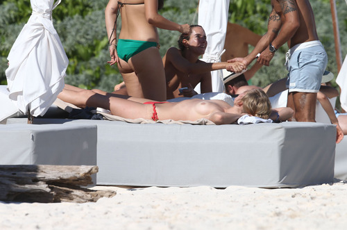 Toni Garrn - Topless on a beach in Mexico (8)