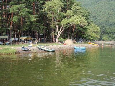 キャンプ場-s