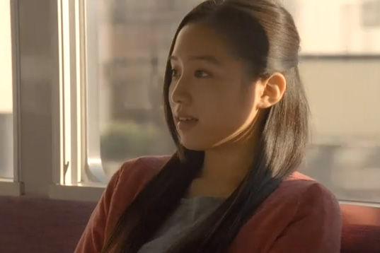 CMアイドル画像通信タグ:青山美郷「広告宣伝費が前年の6倍!?」と話題の朝マックのCMで、店員役の女性は「劇団ハーベスト」の 青山美郷 さん