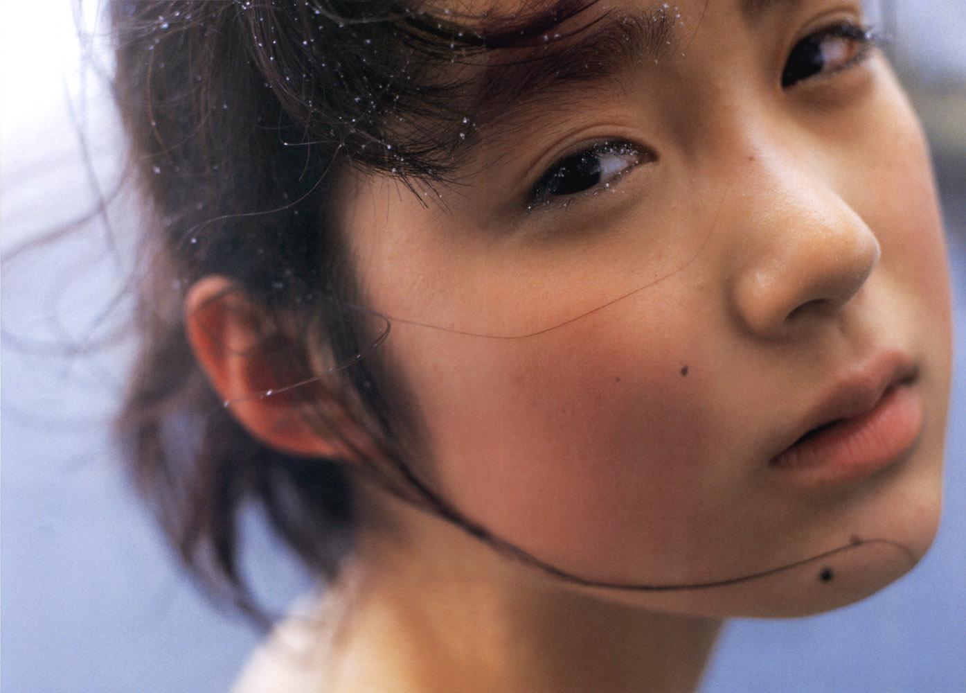 GALLERIA-アイドル動画・画像館   初音映莉子 金麦のCMで「あなたも黒田さんのこと〜」って言ってる