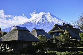 https://pixabay.com/ja/photos/富士山-日本-日本の山-空-1898711/