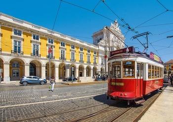 https://pixabay.com/ja/photos/トラム-鉄道-旅行-リスボン-4379656/