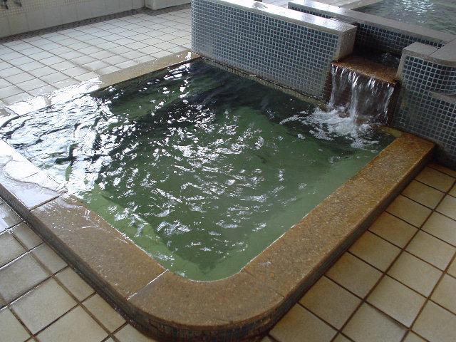 この小浴槽が凄いのだ・・・