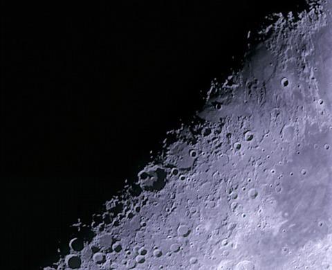 2017-10-27-1021_3-RGB-Moon_lapl5_ap5261_rs_ps_XV_photo