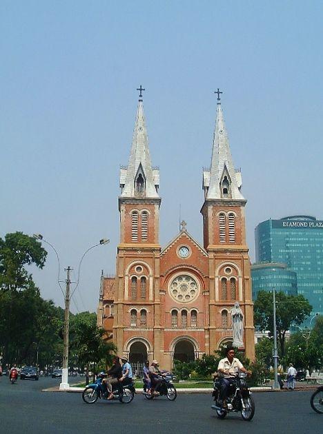 020307_0011_サイゴン大教会